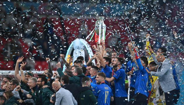 Гучно та з постраждалими: італійці відсвяткували перемогу збірної на Євро-2020