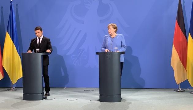 Німеччина надасть Україні 1,5 мільйона доз COVID-вакцини - Меркель