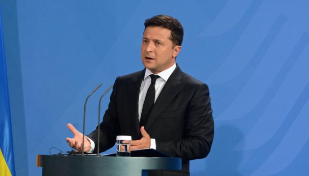 Зеленский хочет поговорить с Байденом об участии США в урегулировании на востоке Украины