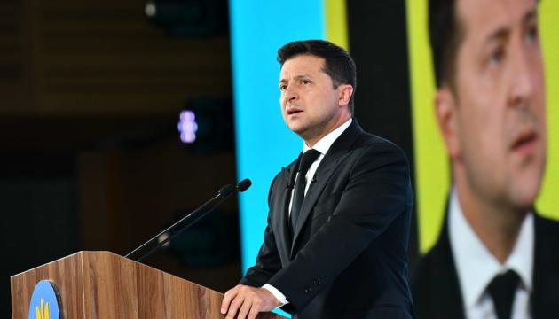 Украина 22 августа почтит память участников боевых действий на востоке - Президент