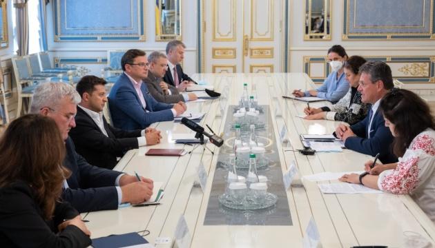 Зеленський обговорив із Шефчовичем питання енергетичної безпеки