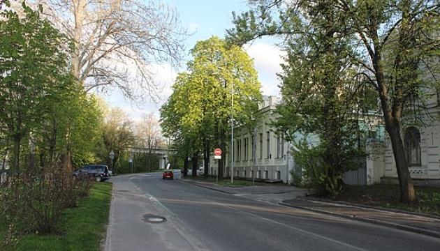 Парковую аллею в столице частично перекроют на ремонт