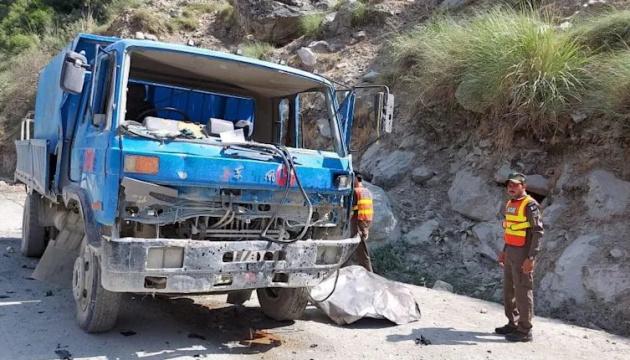 У Пакистані вибухнув автобус, 13 загиблих і 39 поранених