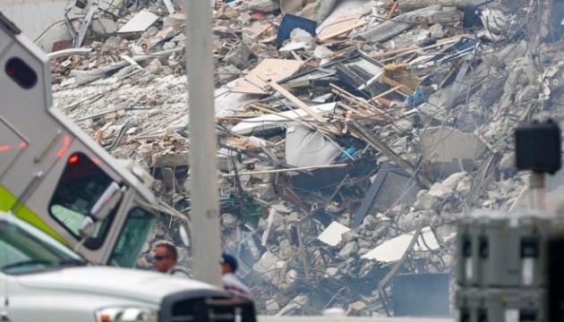 Число жертв обвала дома в Майами возросло до 97