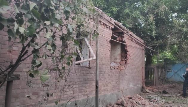 Російські окупанти обстріляли селище Нью-Йорк: пошкоджені будинки