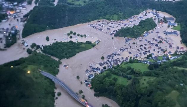 Число жертв наводнений в Бельгии и Германии превысила 90