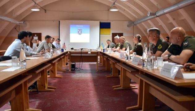 Delegación de la Embajada de EE.UU. visita la zona de la Operación de las Fuerzas Conjuntas