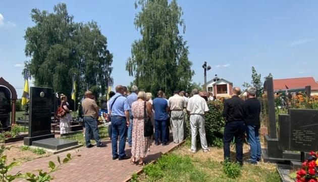 У Новограді-Волинському попрощалися з журналістом Укрінформу Андрієм Лавренюком