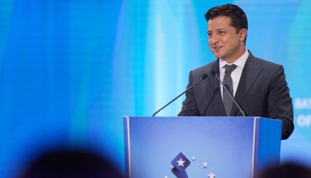 Президент поздравил украинских паралимпийцев с еще 13 медалями