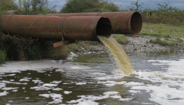 На окупованій Луганщині спостерігається гострий дефіцит питної води