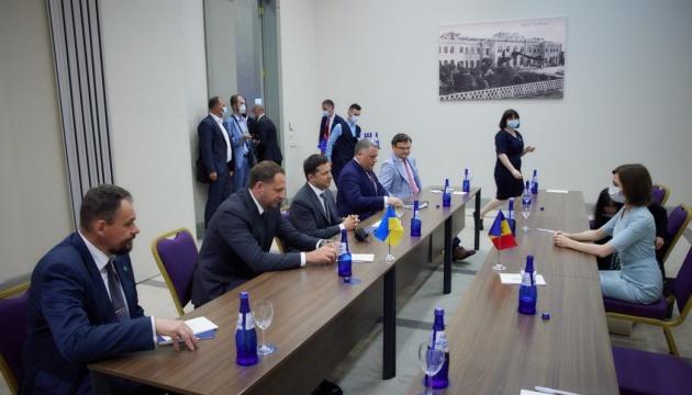 Selenskyj traf sich in Georgien mit Sandu