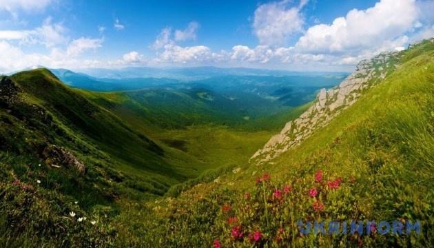Lanzan un vídeo promocional para turistas con una invitación a pasar el verano en Ucrania