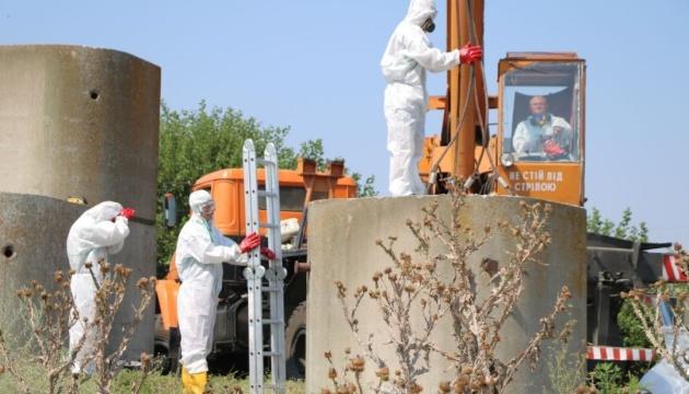 З Херсонщини вивозять на утилізацію непридатні пестициди