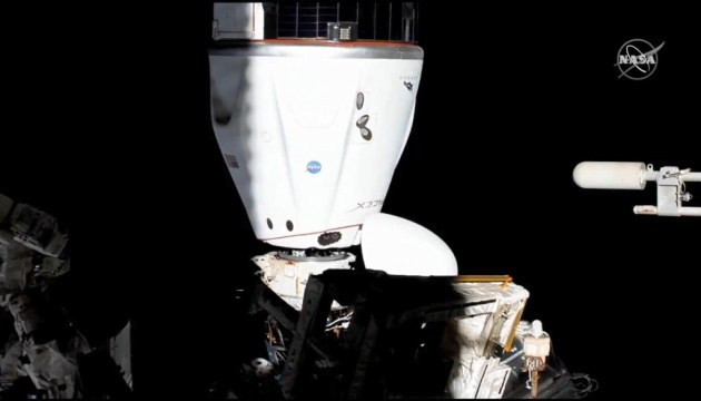 Космічні маневри: корабель SpaceX вдруге перестикувався на МКС