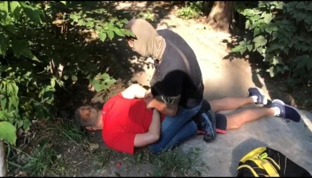 Колишнього та діючого працівників СБУ спіймали на держзраді — Офіс генпрокурора