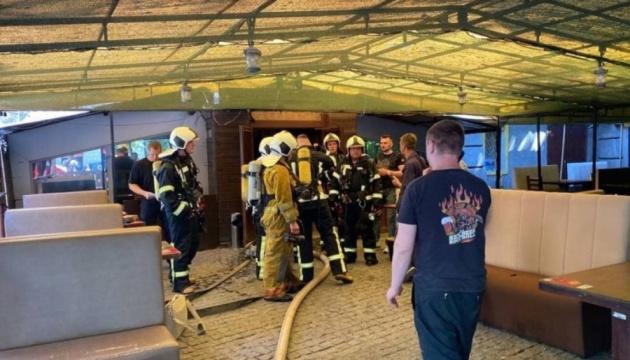 Пожежники загасили вогонь у пабі на столичному Хрещатику