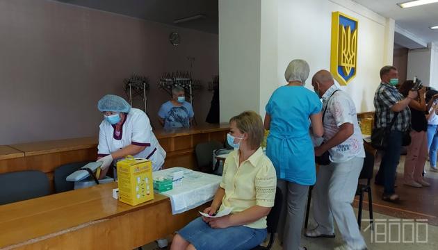Тисяча щеплень на добу: у Черкасах відкрили найбільший центр вакцинації