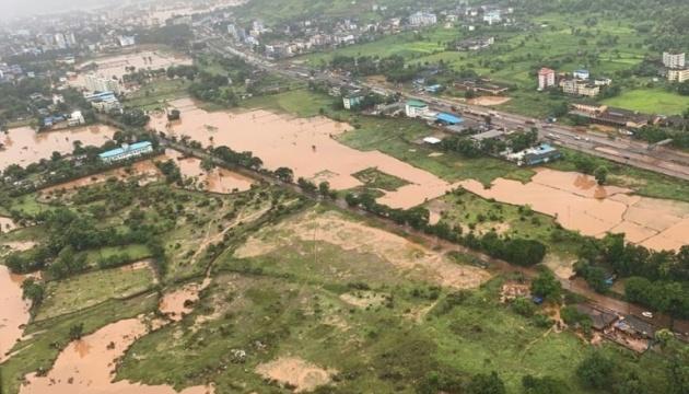 В Індії через зливи сталися зсуви ґрунту, є загиблі