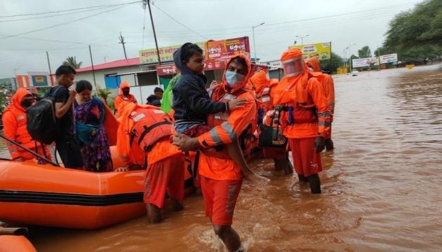Кількість загиблих через повені в Індії збільшилася до 110