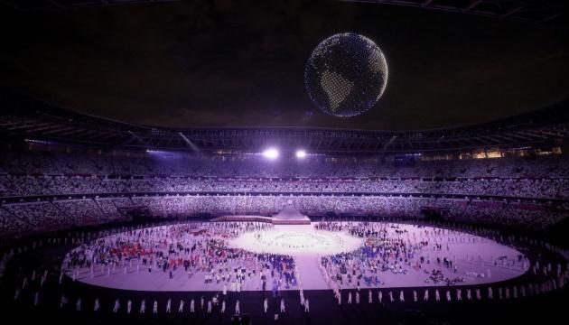 JO Tokyo 2021 : Images incroyables de 1820 drones surplombant le stade olympique