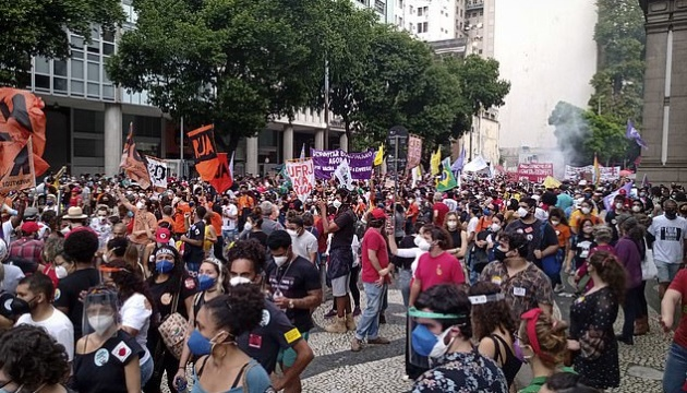 У Бразилії пройшли масові протести з вимогою відставки президента