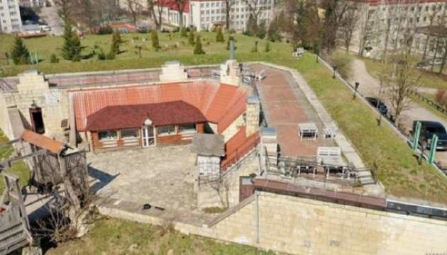 Выставили на продажу часть Золочевского замка во Львовской области