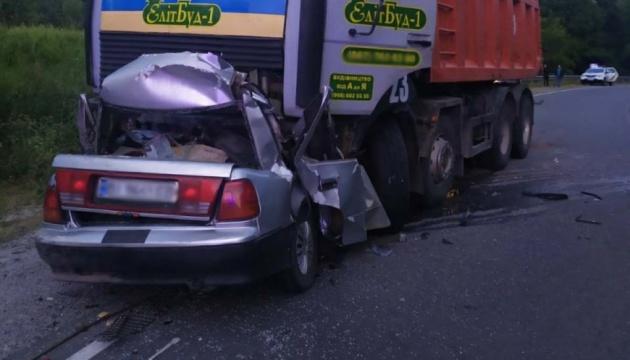 На Полтавщині у ДТП вантажівка розчавила легковик – четверо загиблих