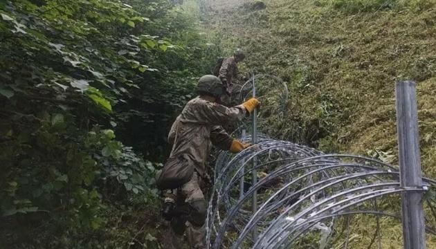 Литві не вистачає колючого дроту для паркану з Білоруссю - допоможе Естонія
