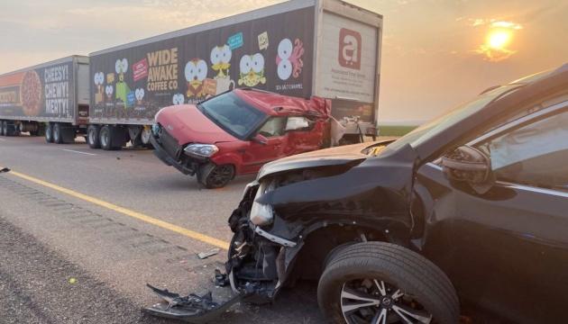 В США из-за песчаной бури столкнулись более 20 автомобилей, есть погибшие