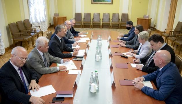 Визит Зеленского в США: В ОП говорят, что уже договорились подписать три документа