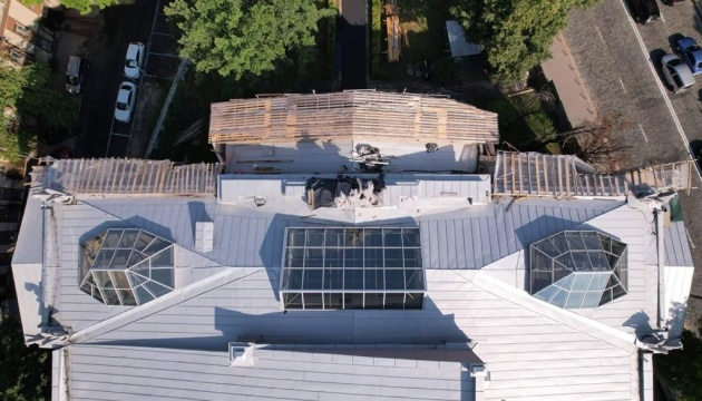 У Києві замінили дах і відреставрували химер Національного художнього музею