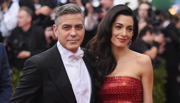 Дружина Джорджа Клуні знову очікує близнюків – ЗМІ