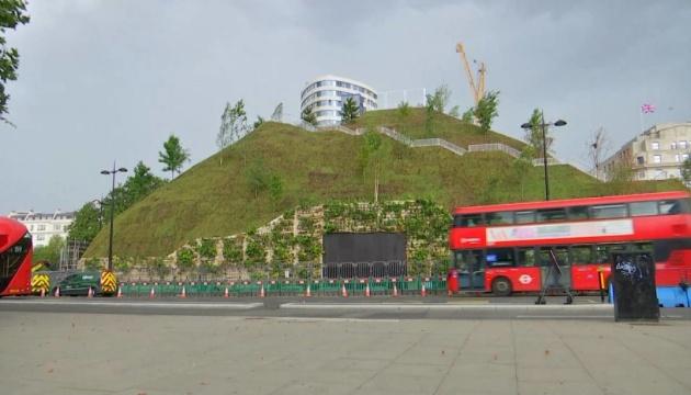 Туристы жестко раскритиковали искусственный холм за £2 миллиона в лондонском Гайд-парке