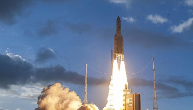 Ракета Ariane 5 вывела на орбиту перепрограммируемый спутник связи