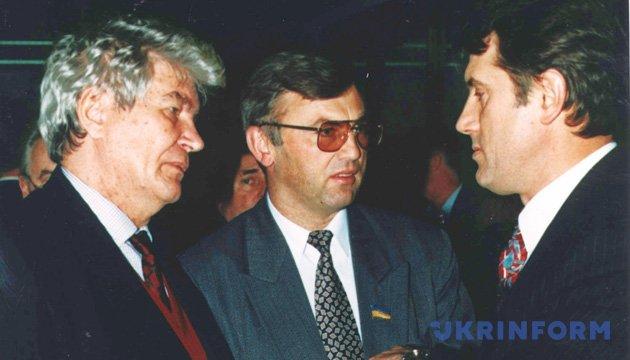 На фото: Вадим Гетьман, Володимир Стретович і Віктор Ющенко. Із фондів Укрінформу