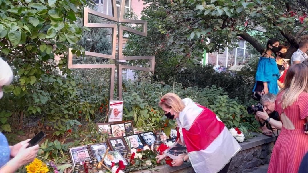 Акція пам'яті Віталія Шишова під посольством Білорусі в Києві
