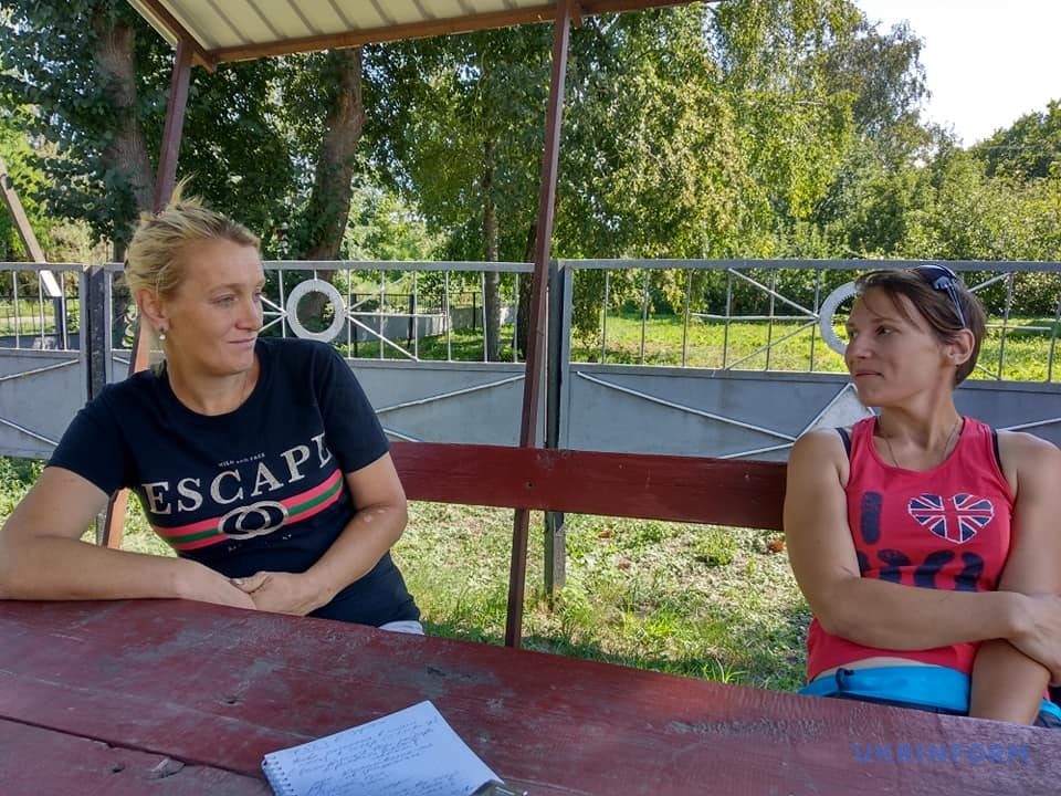 Оксана Зубок и переселенка Татьяна