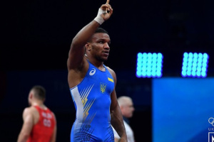Беленюк, Насібов і Коляденко вийшли до півфіналу Олімпіади-2020 у спортивній боротьбі