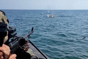 Зі стрільбами й водолазами: морська охорона провела екстремальні тренування