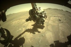 NASA показало нові світлини Марса
