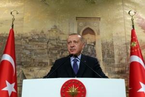 Erdoğan agradece a Zelensky por ayudar a combatir los incendios forestales