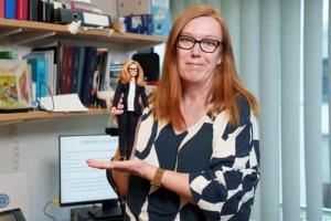 На честь розробниці COVID-вакцини AstraZeneca створили ляльку Барбі