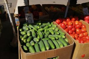 У Херсоні ціна на огірки на ринках від 2 до 35 гривень за кілограм