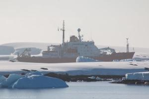 Ледокол, который покупает Украина, отправится в экспедицию в Антарктиду осенью