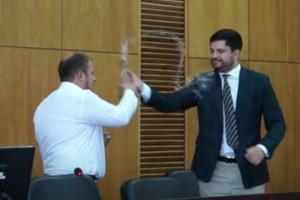 Мэр Конотопа полил народного депутата грязной водой