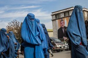 ООН закликала талібів дотримуватися прав людини та дозволити дівчаткам ходити в школи