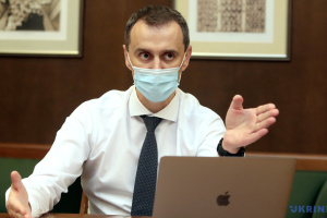 В Україні однією дозою вже вакцинувалися 90% медиків та 85% освітян – Ляшко