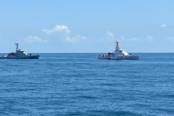 Marineros de Ucrania y Georgia realizan ejercicios PASSEX en el mar Negro