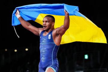 Luchador Beleniuk logra el primer oro ucraniano en los JJOO de Tokio 2020