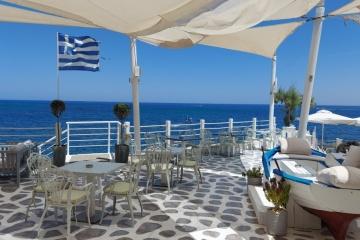 На двох популярних грецьких островах запровадили карантинні обмеження